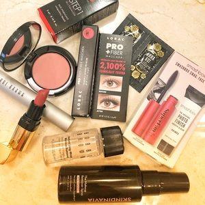 Travel size essentials Bobbi Brown,MakeUp4Ever